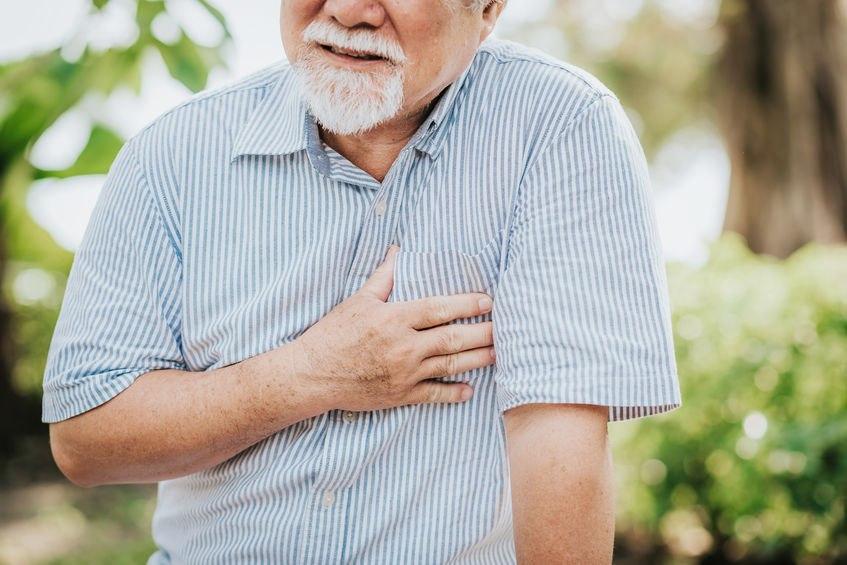 Ból w klatce piersiowej - co może oznaczać?