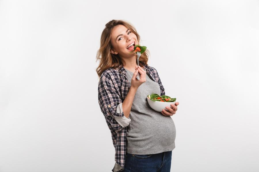 Jaką dietę stosować w ciąży? Podstawowe zasady