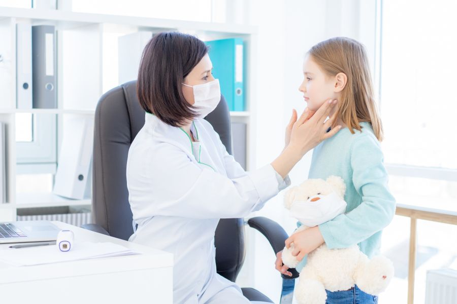 Świnka (choroba) - objawy i leczenie