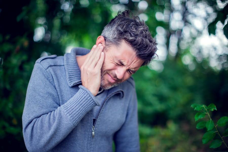 Szum w uszach - co może być przyczyną?
