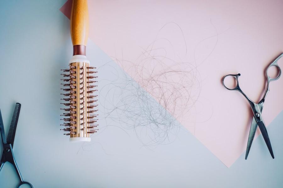 Wypadanie włosów - jakie są przyczyny?